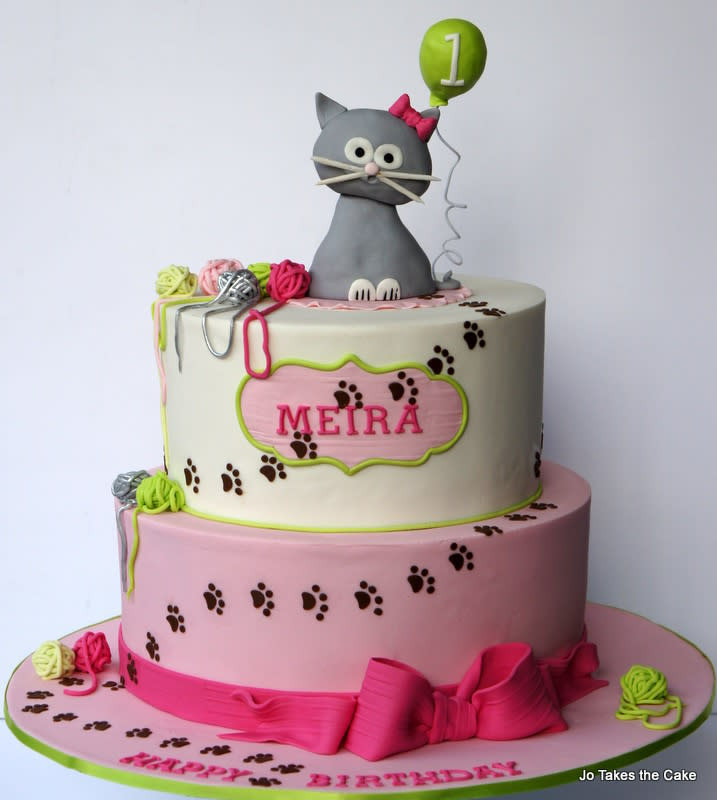 Best ideas about Cat Birthday Cake . Save or Pin Kitty Cat 1st Birthday and matching cupcakes cake by Jo Now.