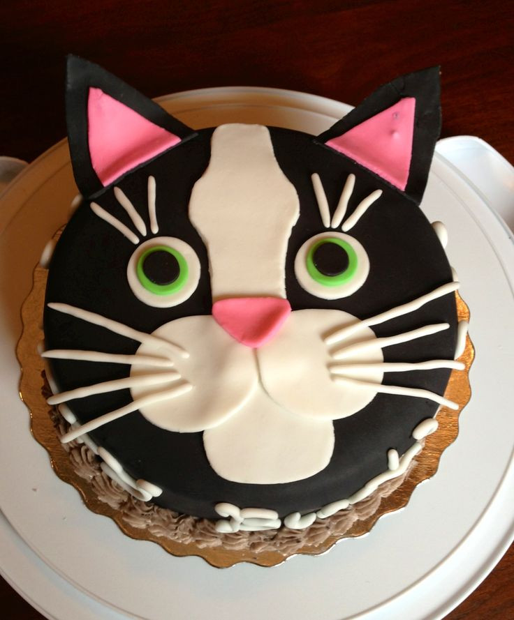Best ideas about Cat Birthday Cake . Save or Pin 25 Best Ideas about Cat Cakes on Pinterest Now.