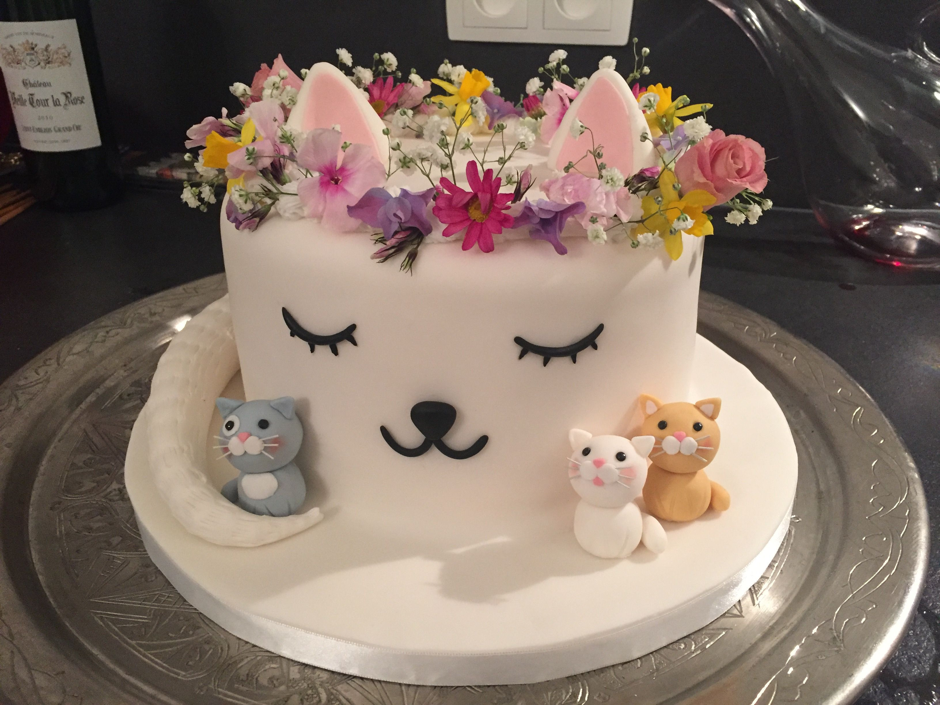 Best ideas about Cat Birthday Cake . Save or Pin Cat cake Lindas invitaciones Pinterest Now.