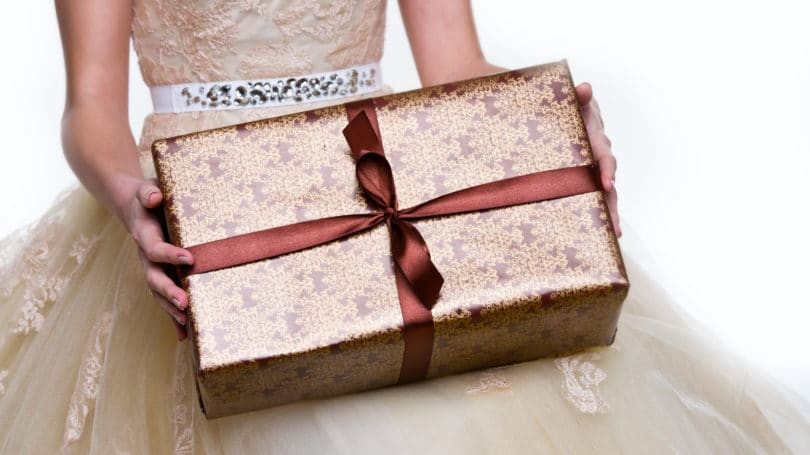 Best ideas about Cheap Wedding Gift Ideas . Save or Pin 11 Unique & Creative Wedding Gift Ideas on a Cheap Bud Now.