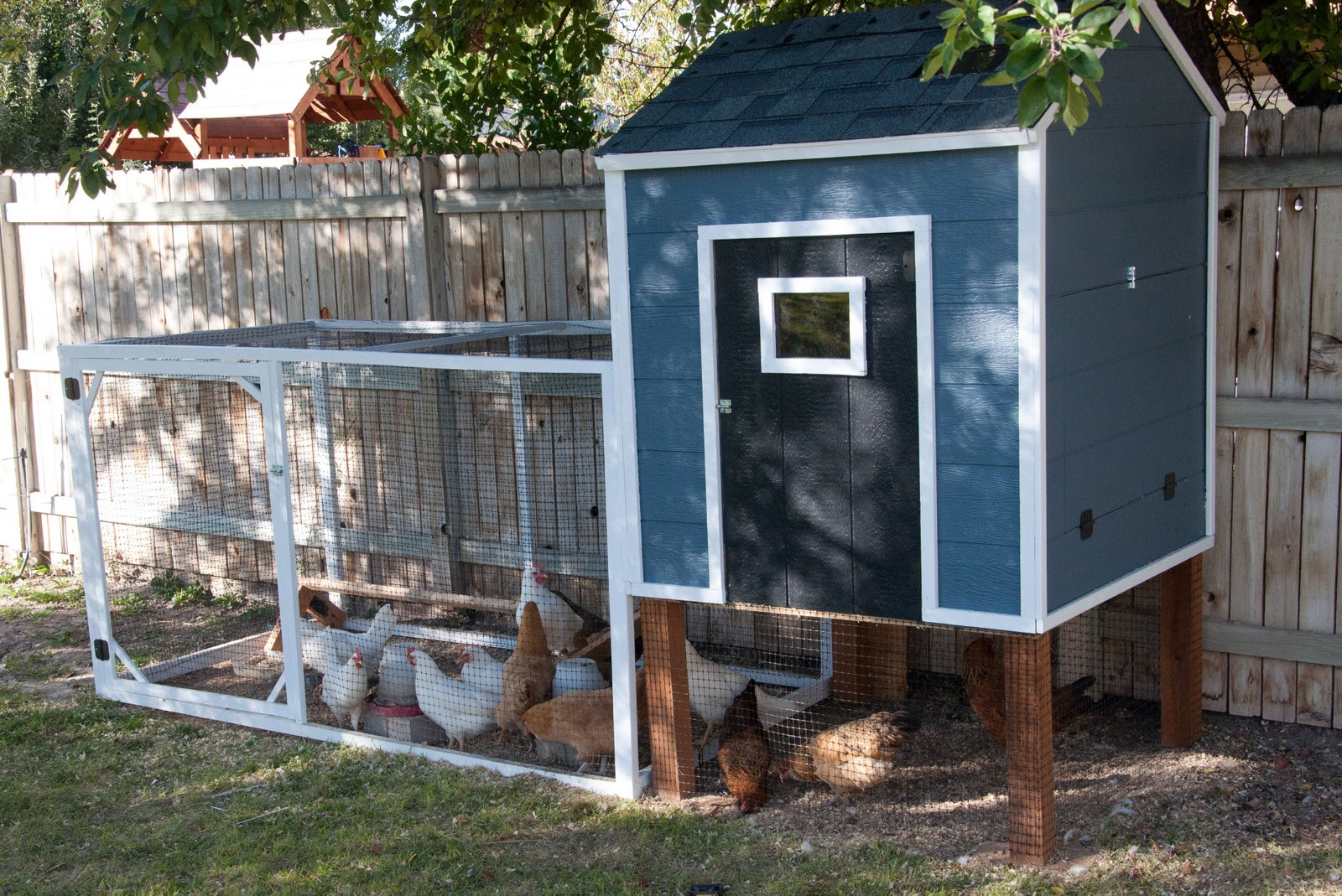 Best ideas about Chicken Coop DIY . Save or Pin Remodelaholic Now.