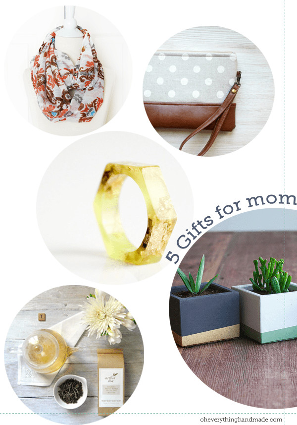 Best ideas about Christmas Gift Ideas For Mom And Dad . Save or Pin 20 Handmade Christmas Gifts for mom dad siblings and friends Now.