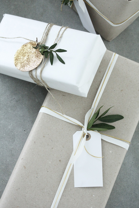 Best ideas about Christmas Gift Wrapping Ideas Elegant . Save or Pin Eclectic Trends Now.