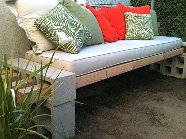 Best ideas about Cinder Block Bench DIY . Save or Pin DIY Projects With Cinder Blocks Ideas Inspirations Now.