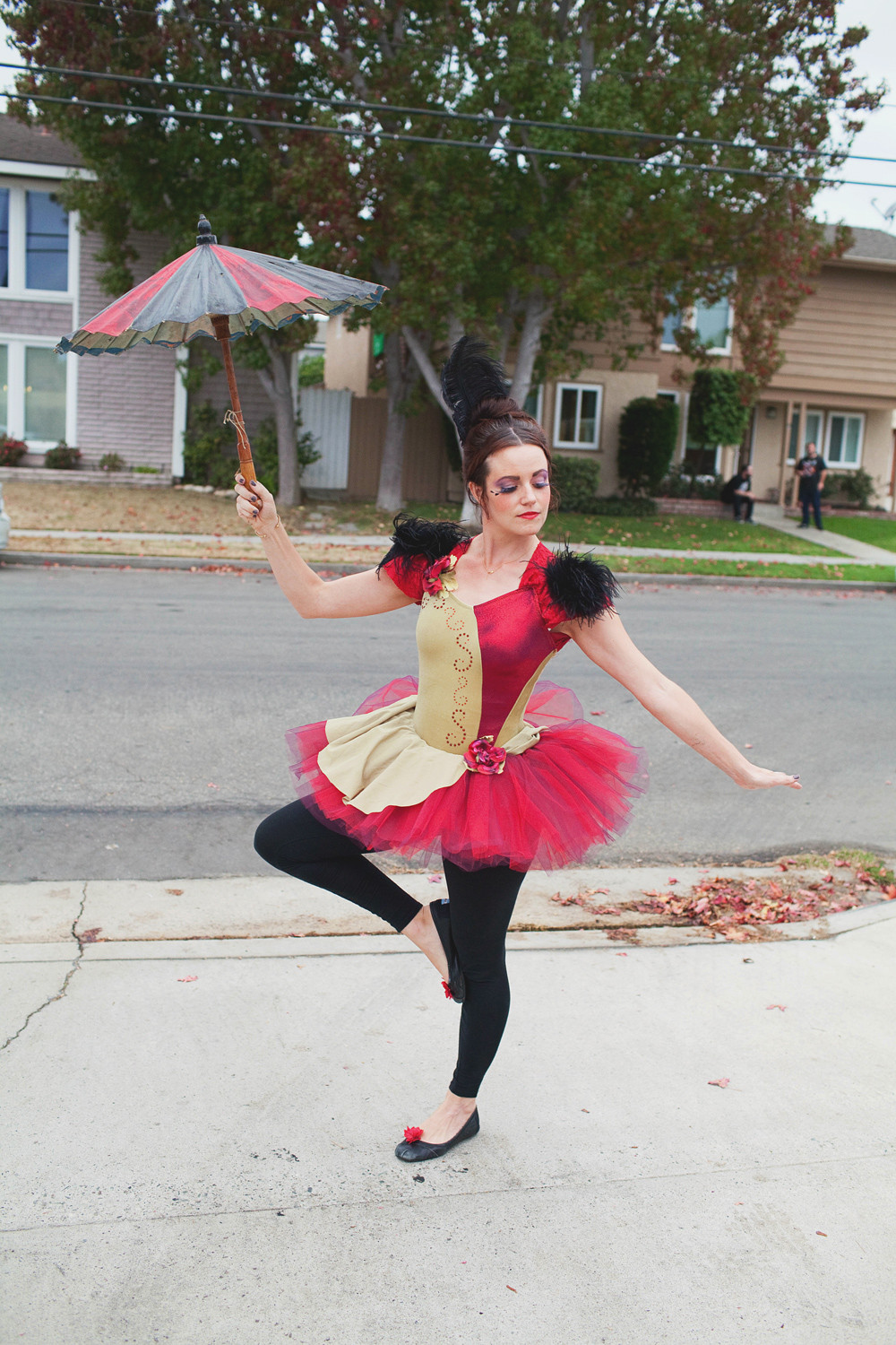 Best ideas about Circus Costumes DIY . Save or Pin LOVE CIRCUS HALLOWEEN COSTUMES Tell Love and Party Now.