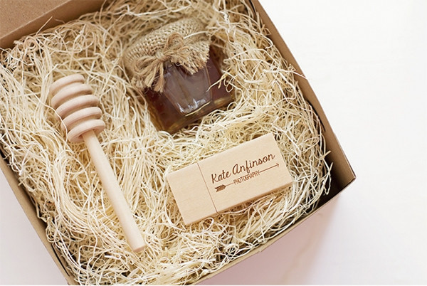 Best ideas about Client Christmas Gift Ideas . Save or Pin 15 Cheap Yet Fabulous Gifts for Your graphy Clients Now.