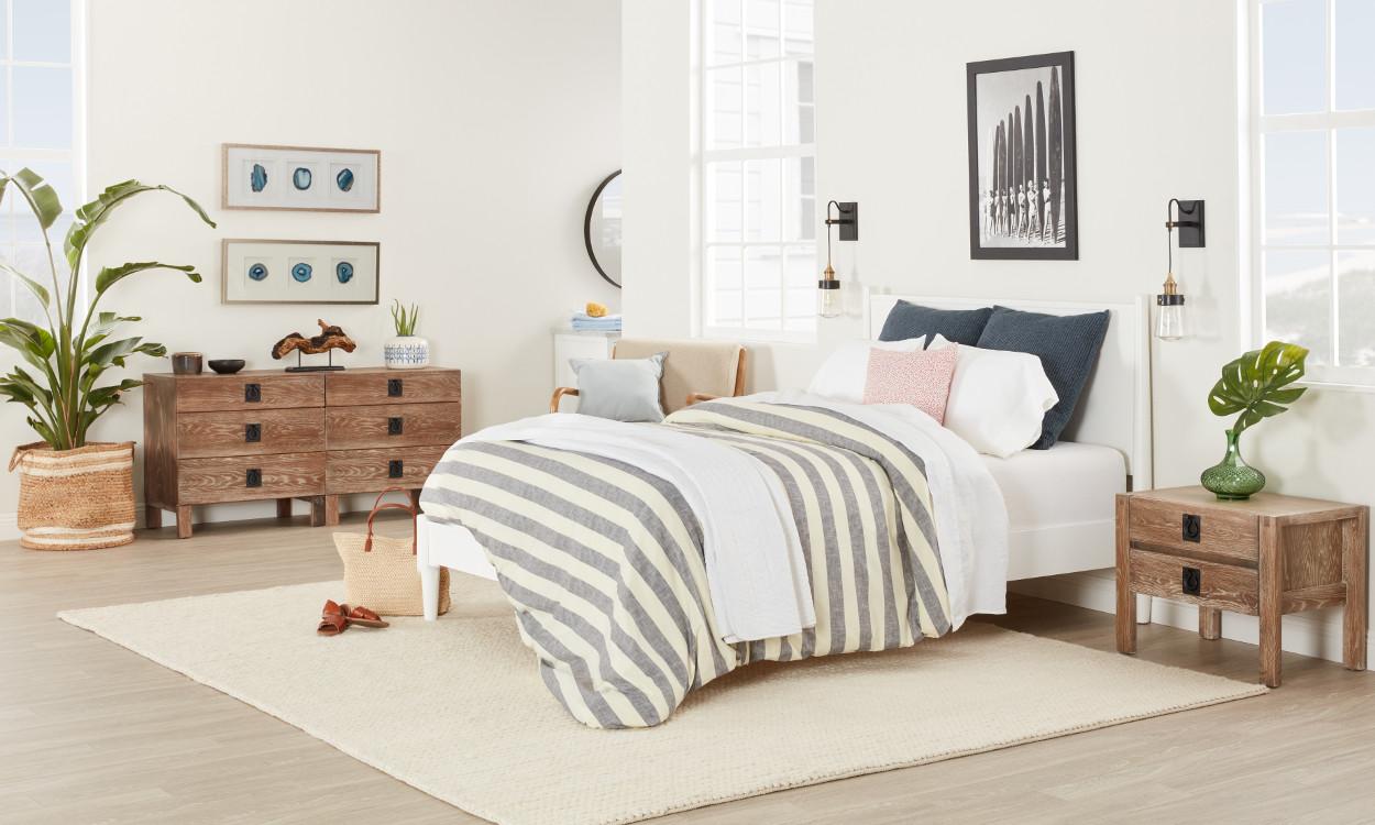 Best ideas about Coastal Bedroom Ideas . Save or Pin Beautiful Coastal Furniture & Decor Ideas Now.