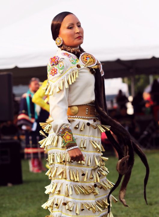 Best ideas about Coloring Pages For Teens Jingel Dress Dancer . Save or Pin Best 20 Powwow regalia ideas on Pinterest Now.