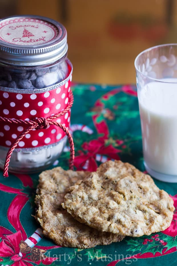 Best ideas about Cookie Gift Ideas . Save or Pin Back to School Teacher Gift Chocolate Chip Cookies in a Jar Now.