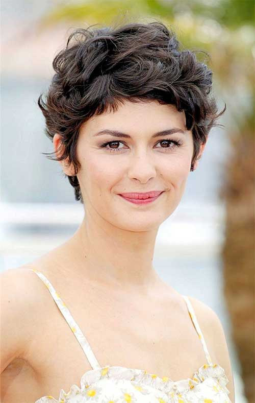 Best ideas about Cute Haircuts For Wavy Hair . Save or Pin 15 Cute Curly Hairstyles For Short Hair Now.