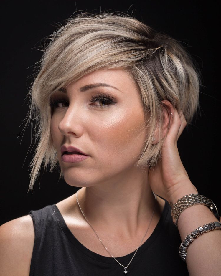 Best ideas about Cute Short Haircuts For Round Faces . Save or Pin 50 Cute Blonde Short Hairstyles for Round Faces Nona Gaya Now.