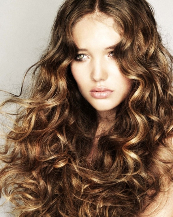 Best ideas about Cute Wavy Hairstyles . Save or Pin 7 Super Cute Curly Hairstyles for Fall That You ve Got to Now.