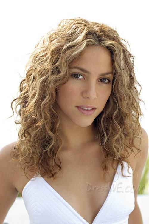 Best ideas about Cute Wavy Hairstyles . Save or Pin Best 25 Shoulder length curly hair ideas on Pinterest Now.