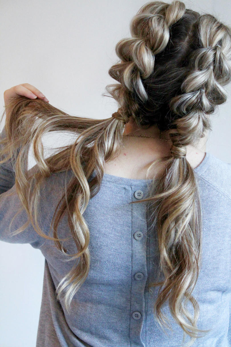 Best ideas about Cute Wavy Hairstyles . Save or Pin 25 Easy and Cute Hairstyles for Curly Hair Southern Living Now.
