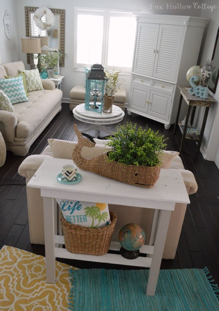 Best ideas about DIY Apartment Furniture . Save or Pin 1000 ideas about Small Living Rooms on Pinterest Now.