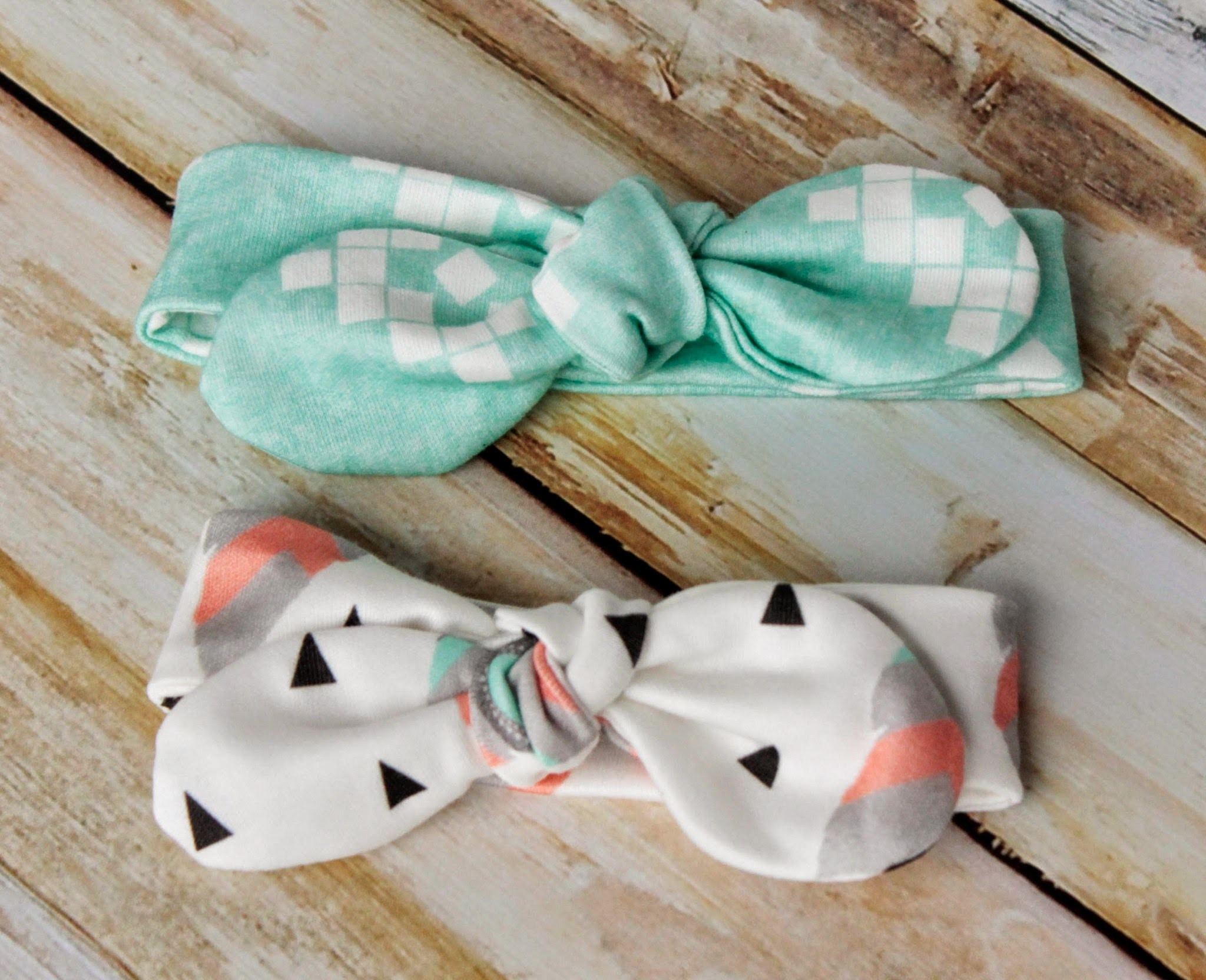 Best ideas about DIY Baby Bow Headband . Save or Pin Knot Bow Headband Pattern and Tutorial Easy DIY Headband Now.