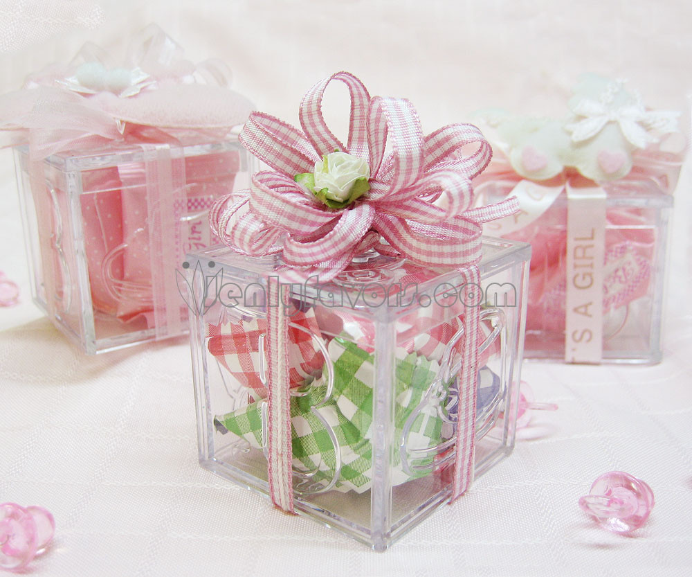 Best ideas about DIY Baby Shower Favors For Girl . Save or Pin DIY Gingham Baby Shower Favor Box Now.