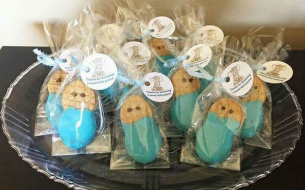 Best ideas about DIY Baby Shower Favors For Girl . Save or Pin 26 Adorable DIY Baby Shower Favors That Are so Much Better Now.