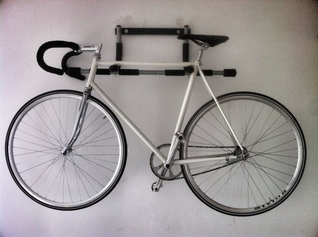 Best ideas about DIY Bicycle Wall Mount . Save or Pin DIY Bike Wall Mount from your Iron Gym Español Now.