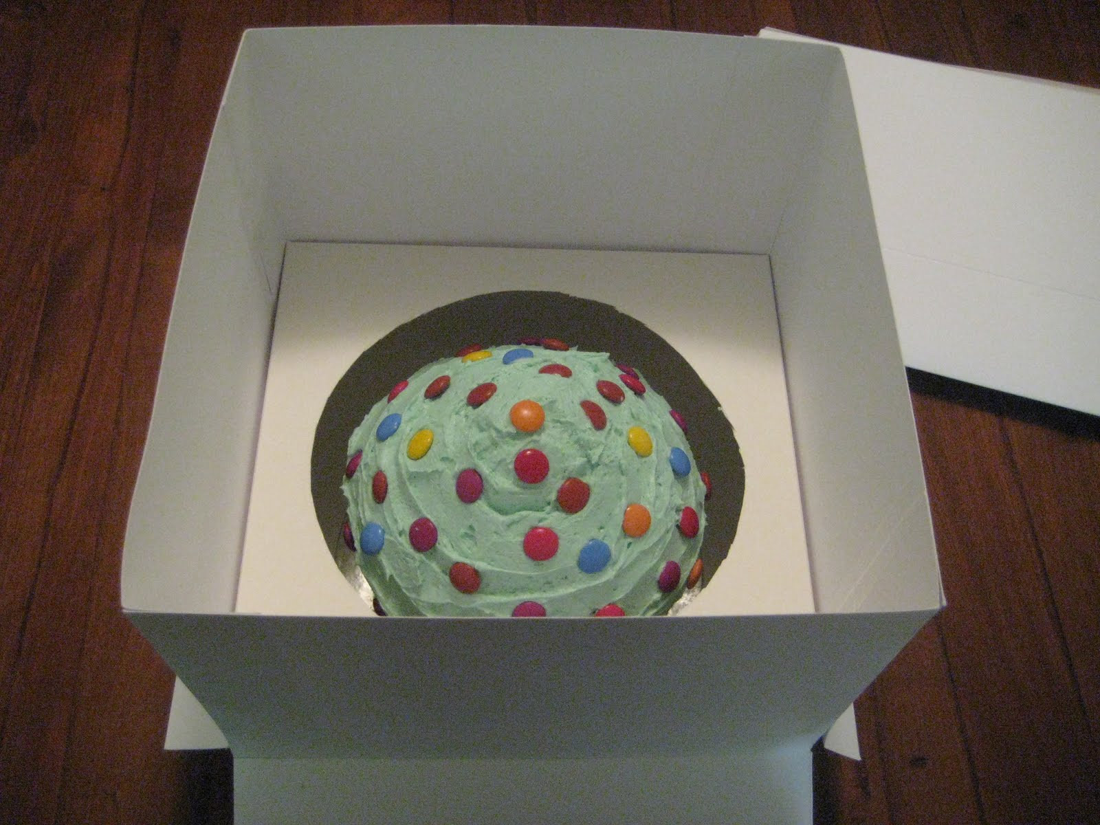Best ideas about DIY Cake Box . Save or Pin Cavey Cakes DIY cake box for Giant Cupcake Now.