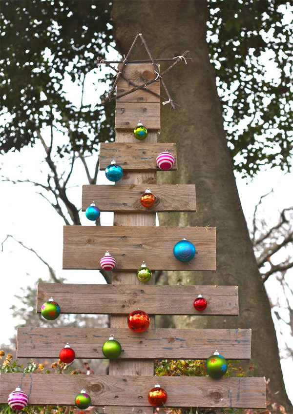 Best ideas about DIY Christmas Decorations Outdoors . Save or Pin DIY Outdoor Christmas Decorating Now.