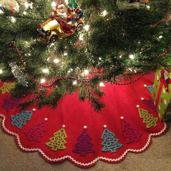 Best ideas about DIY Christmas Tree Skirts . Save or Pin 35 DIY Christmas Tree Skirt Ideas Hative Now.