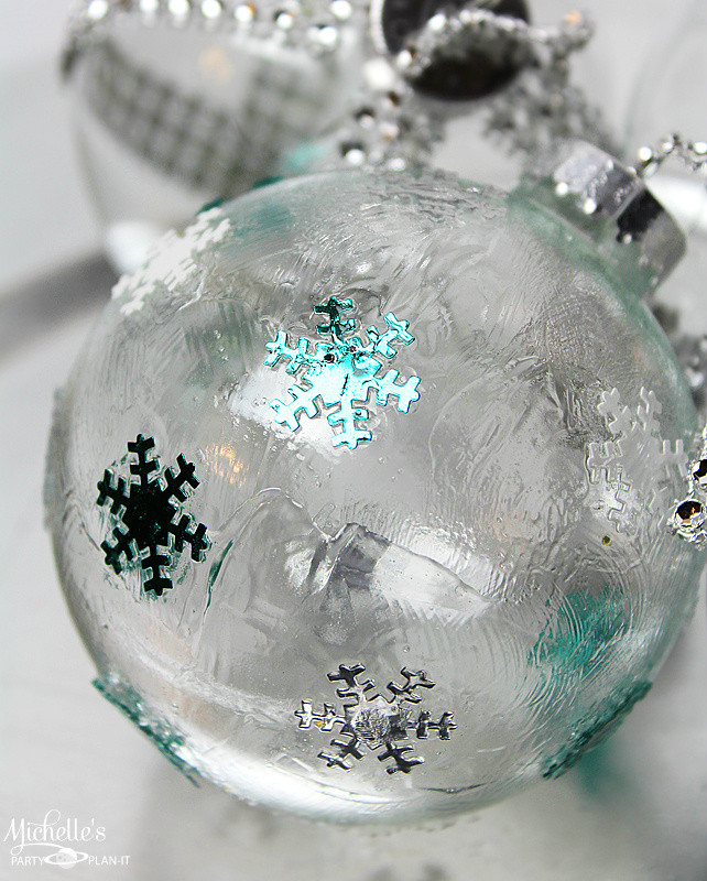 Best ideas about DIY Clear Christmas Ornaments . Save or Pin DIY Ideas to Decorate Clear Ornaments Creative Juice Now.