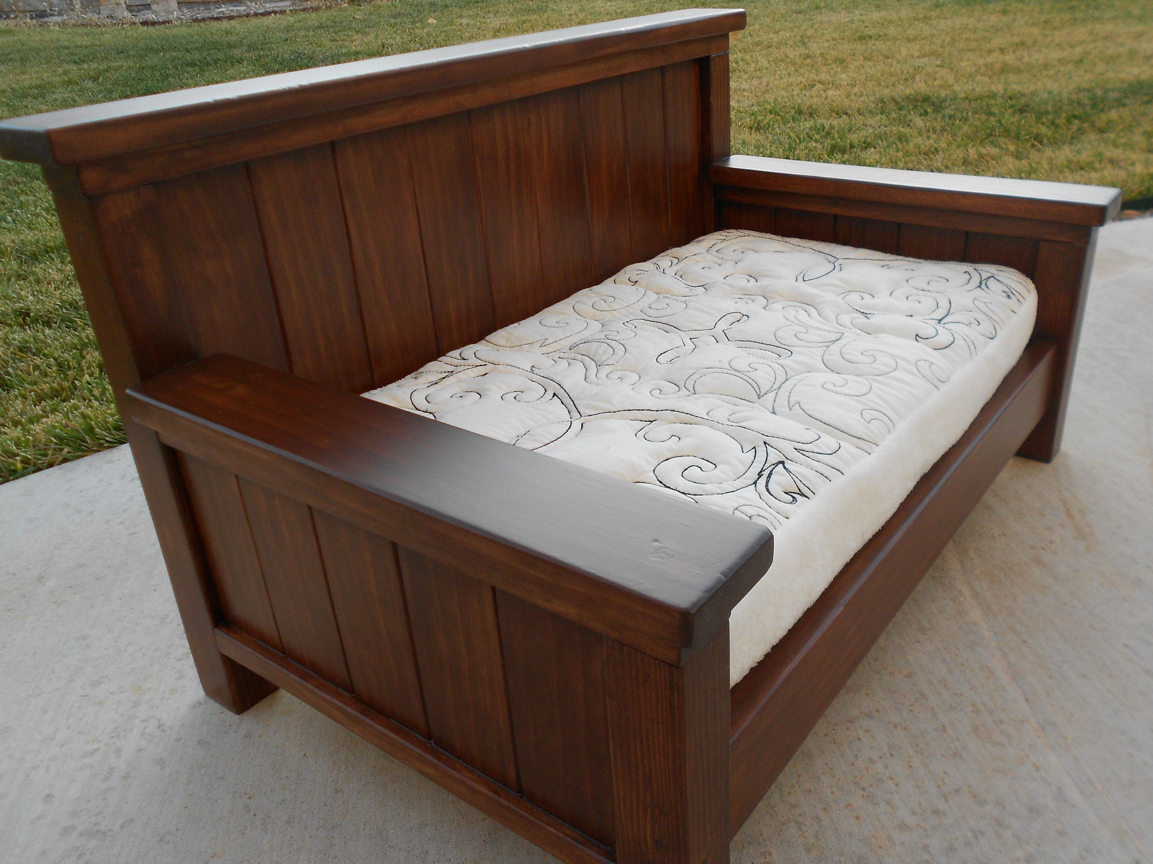 Best ideas about DIY Daybed Frame . Save or Pin Queen Size Daybed From Plan new Now.