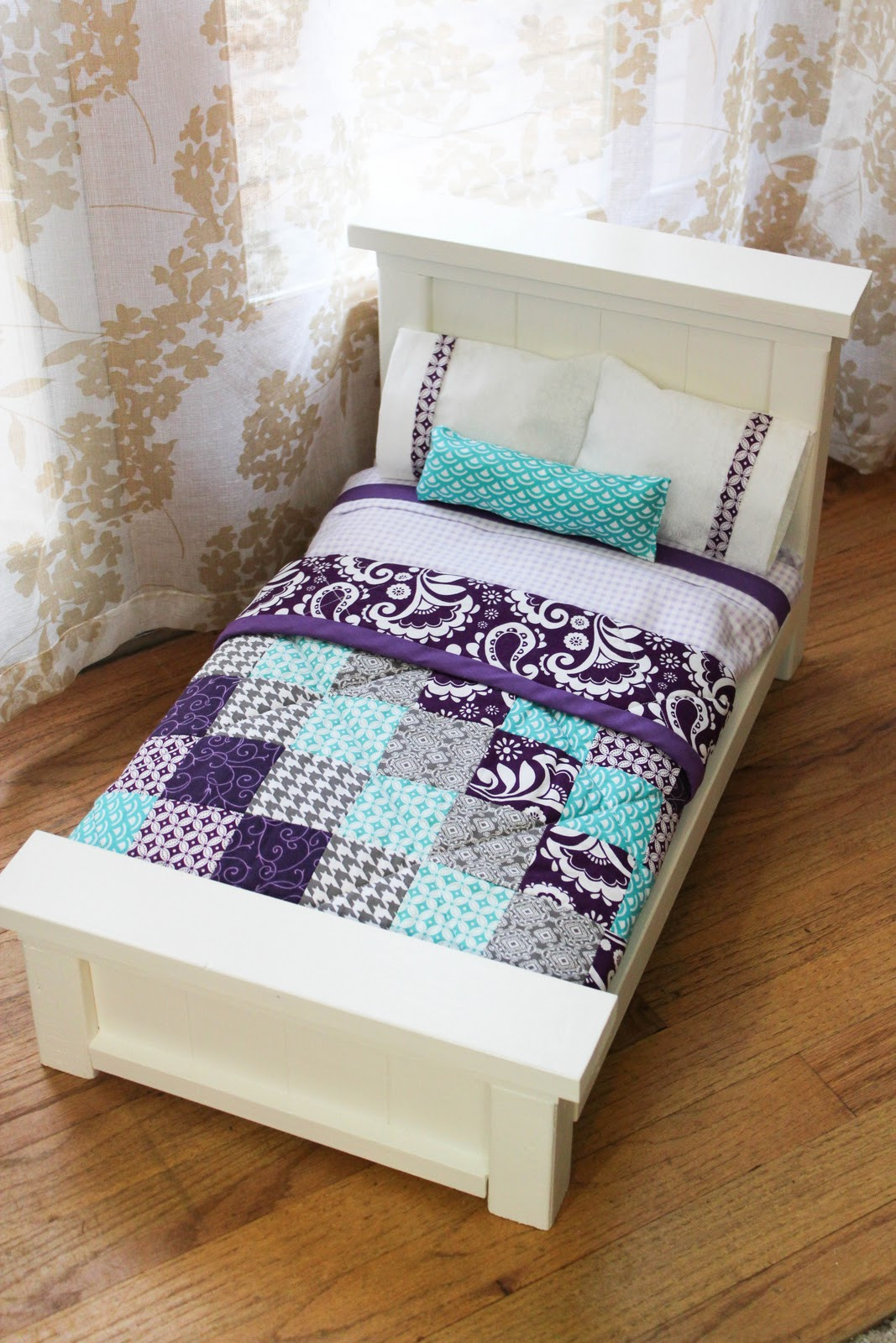 Best ideas about DIY Dolls Furniture . Save or Pin DIY Doll Beds and Tiny Quilts Now.