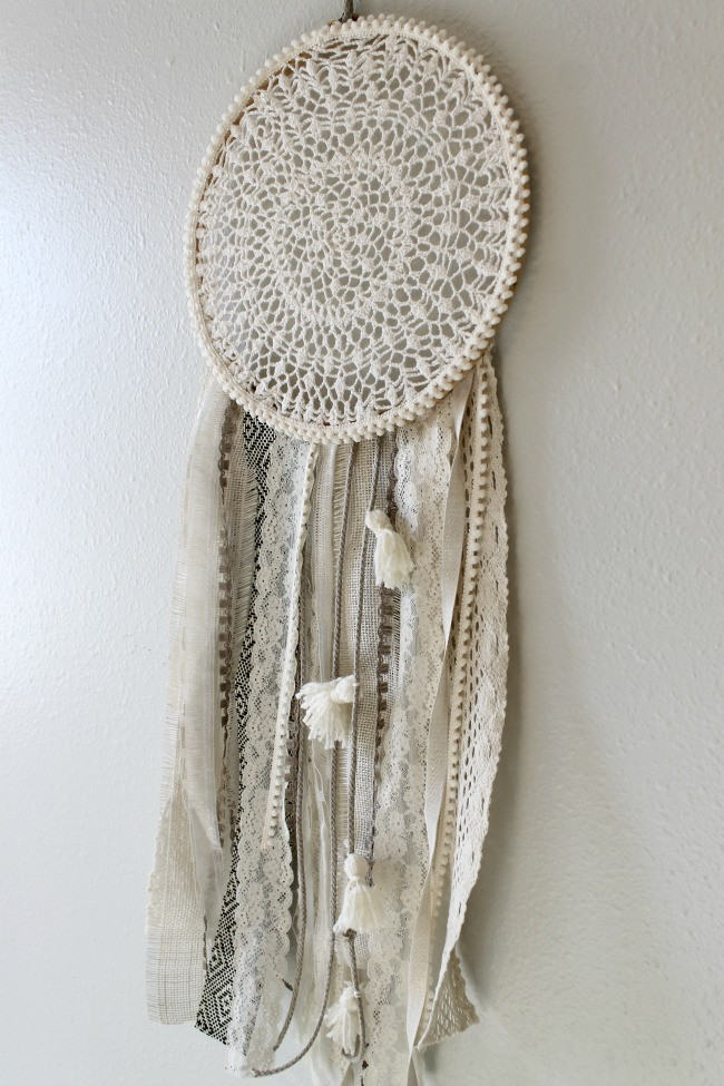 Best ideas about DIY Dream Catchers . Save or Pin DIY Dreamcatcher Urban Outfitters Knock f Child at Now.