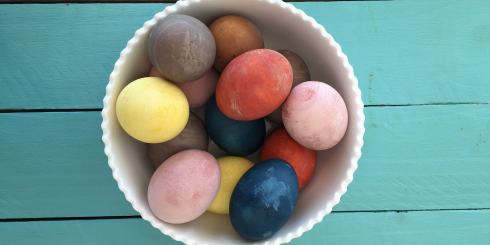 Best ideas about DIY Egg Dye . Save or Pin How to Make Natural Easter Egg Dyes Homemade Dye Recipes Now.