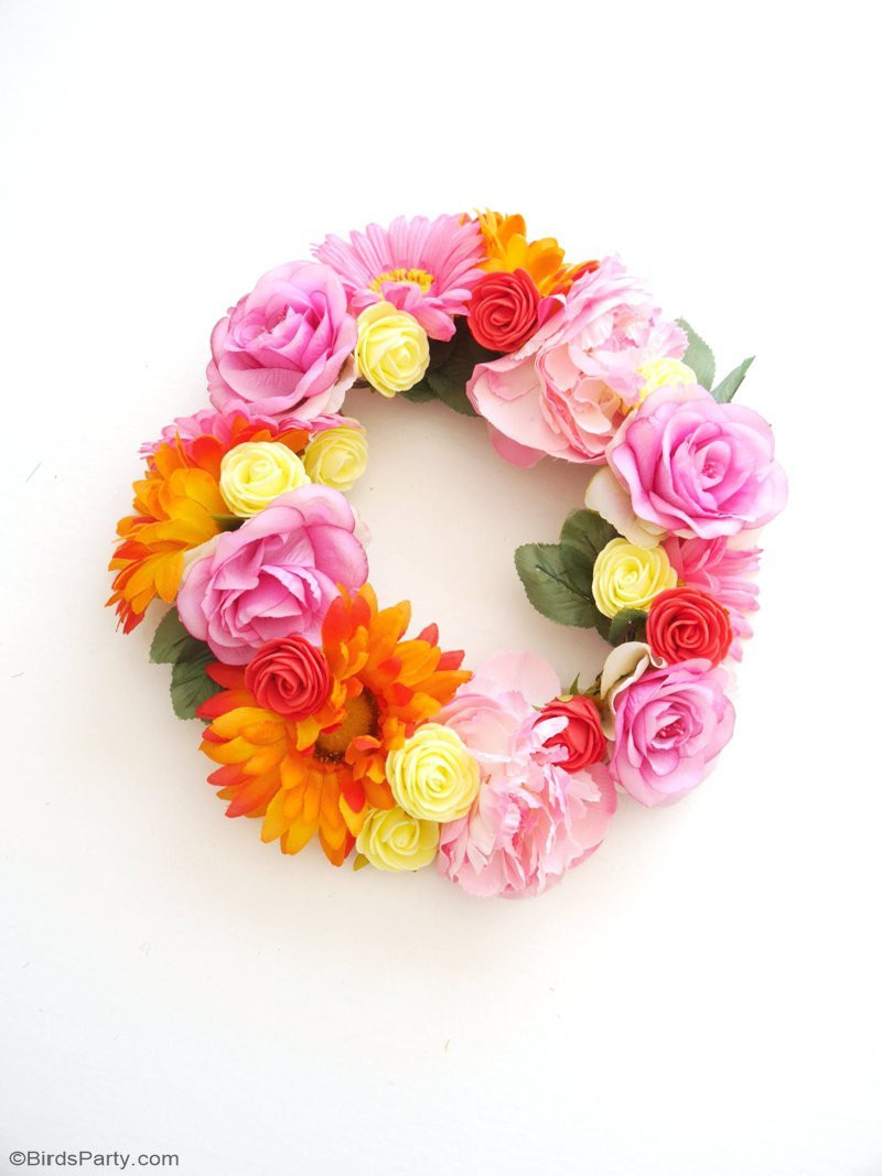 Best ideas about DIY Flower Crown . Save or Pin DIY Pretty & Easy Flower Crowns Party Ideas Now.