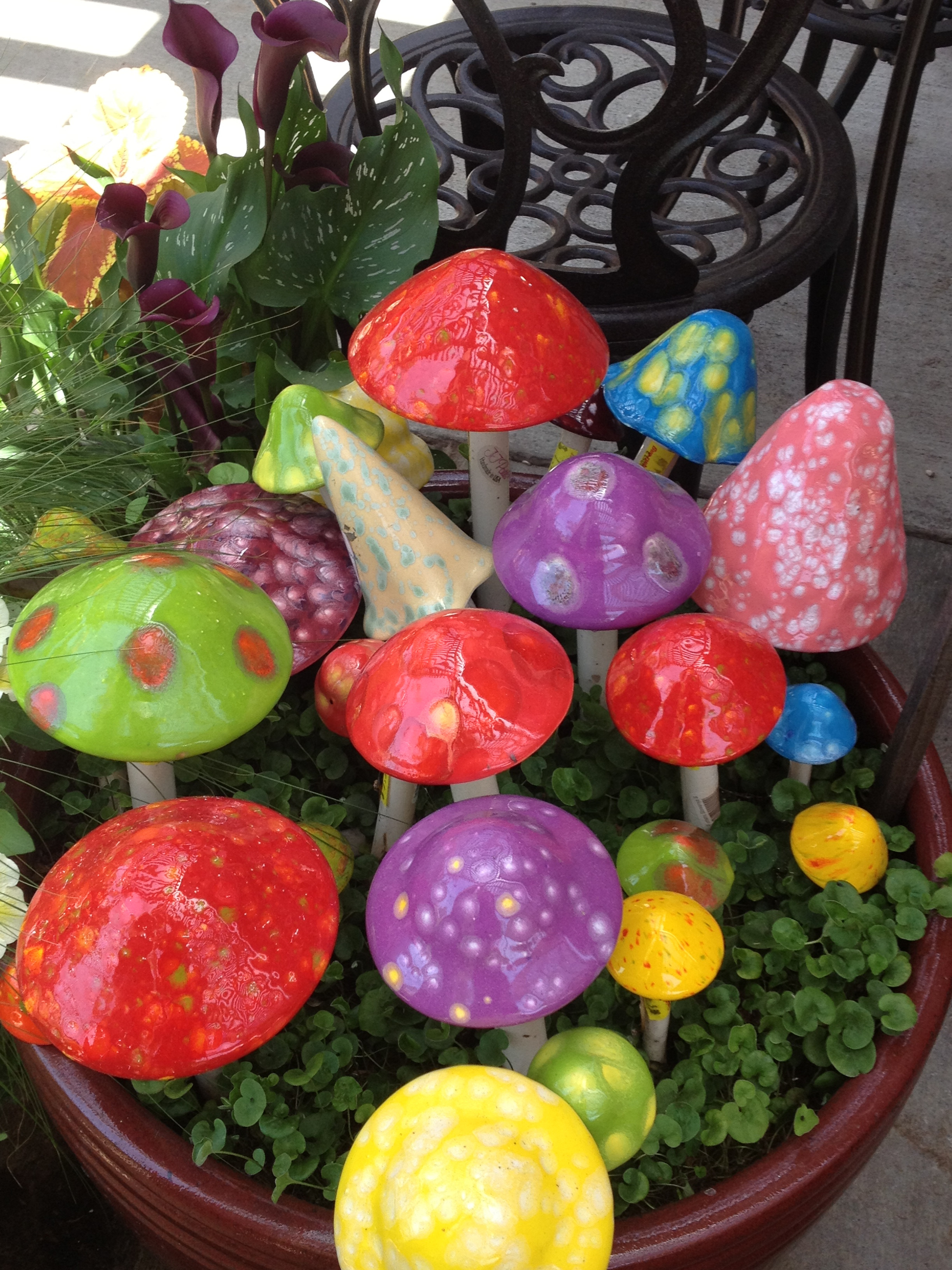 Best ideas about DIY Garden Art . Save or Pin 25 Easy DIY Garden Projects You Can Start Now Now.