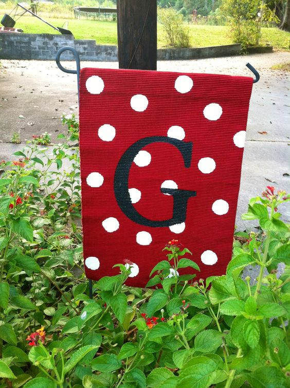 Best ideas about DIY Garden Flag . Save or Pin DIY Garden Flags for Every Season Pretty Handy Girl Now.