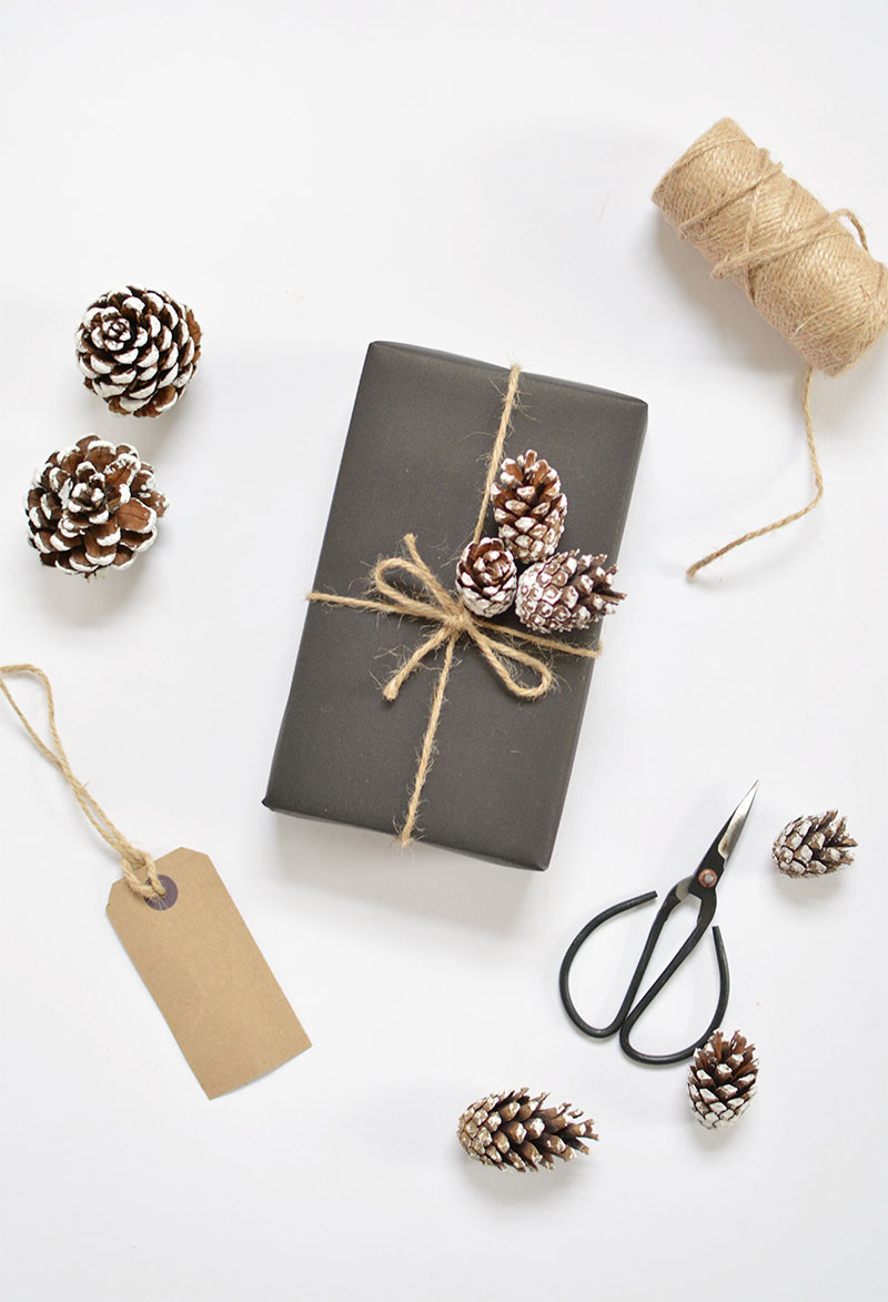 Best ideas about DIY Gift Wrap Ideas . Save or Pin DIY 5 t wrap ideas for christmas Now.
