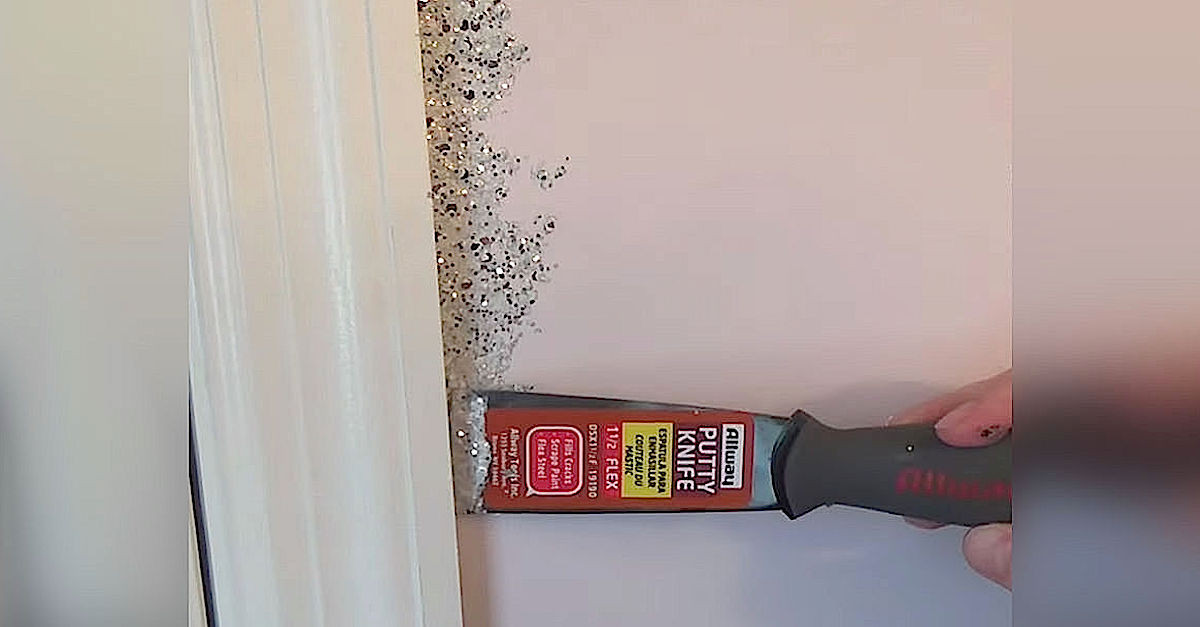 Best ideas about DIY Glitter Wall . Save or Pin She Glues Glitter All Around Her Door Frame But The Now.