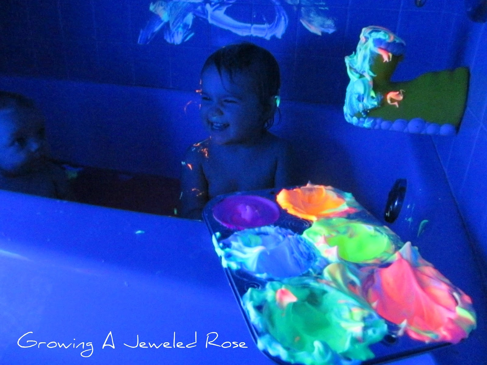 Best ideas about DIY Glow In The Dark Paint . Save or Pin Glowing Homemade Bath Paint Now.