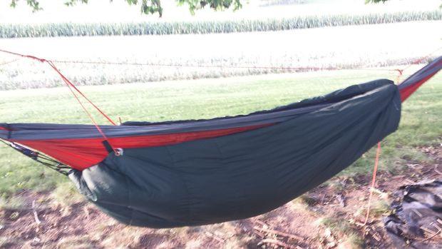 Best ideas about DIY Hammock Underquilt . Save or Pin DIY Hammock Underquilt Sleeping Bag 7 Steps with Now.