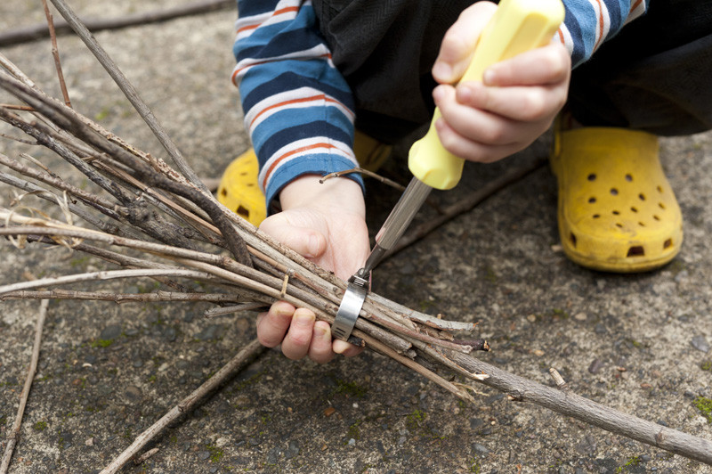 Best ideas about DIY Harry Potter Broom . Save or Pin Made by Joel DIY Tree Branch Broomsticks For Halloween Now.
