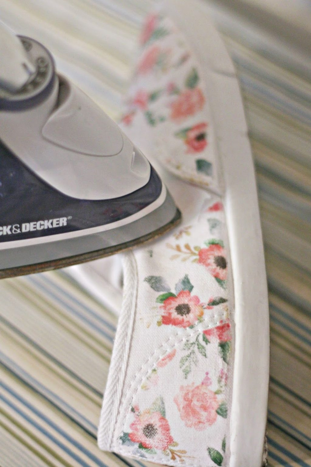Best ideas about DIY Iron On Transfers . Save or Pin DIY Iron Floral Tennies The Pretty Life Girls Now.