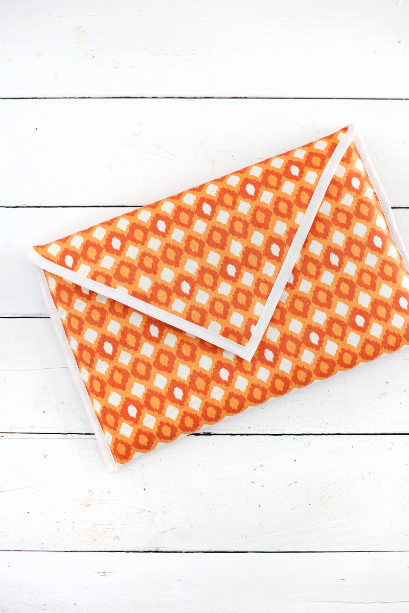 Best ideas about DIY Laptop Sleeve . Save or Pin DIY Quilted Laptop Sleeve A Beautiful Mess Now.