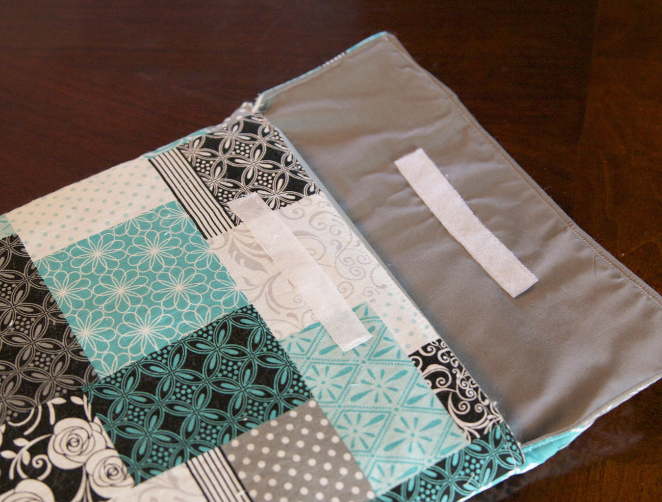 Best ideas about DIY Laptop Sleeve . Save or Pin DIY Laptop sleeve Now.