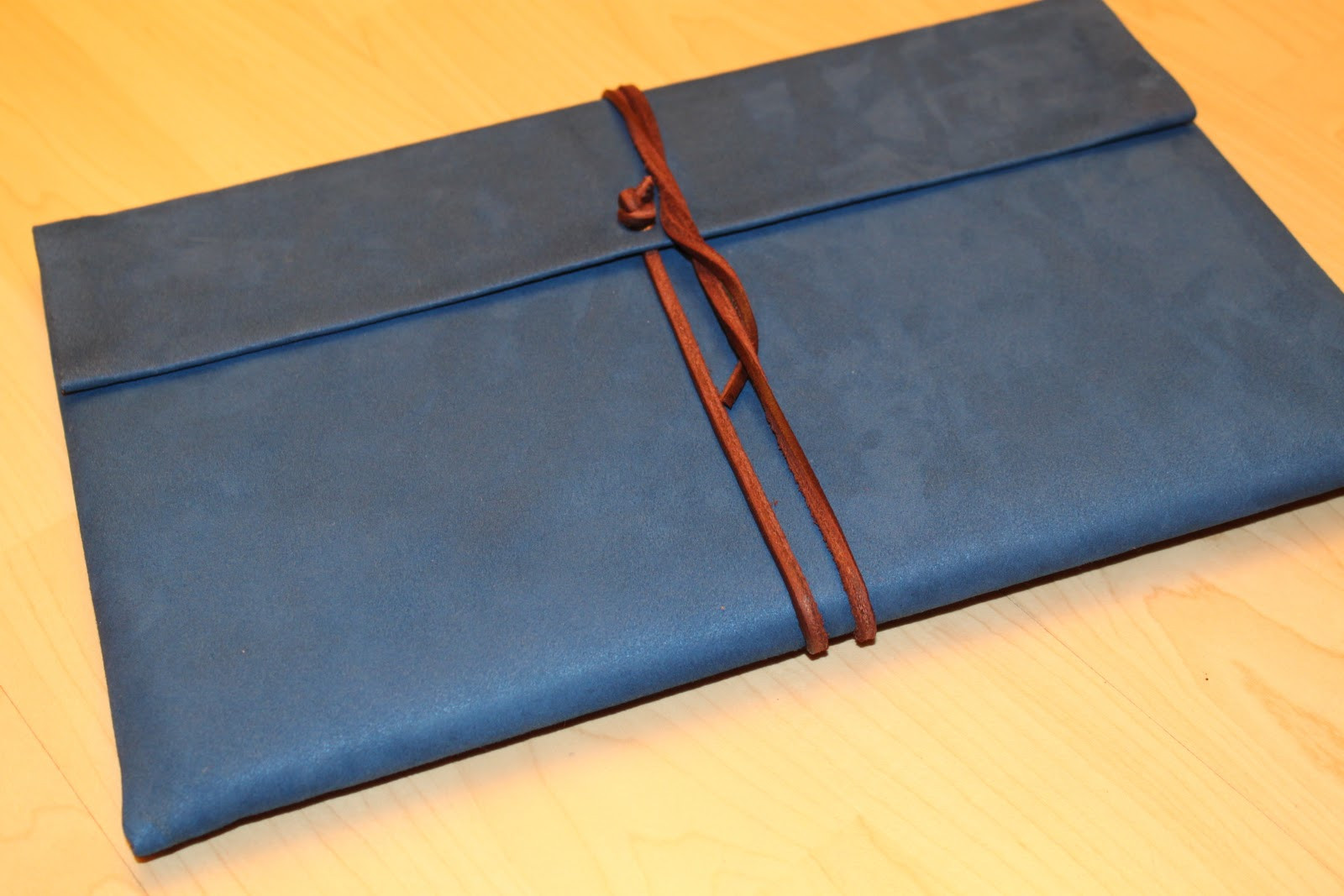 Best ideas about DIY Laptop Sleeve . Save or Pin ChaneCiaga DIY laptop sleeve Now.