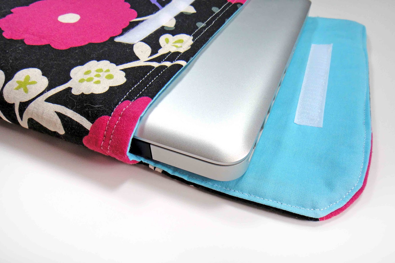 Best ideas about DIY Laptop Sleeve . Save or Pin The Gilded Hare diy laptop sleeve tutorial Now.