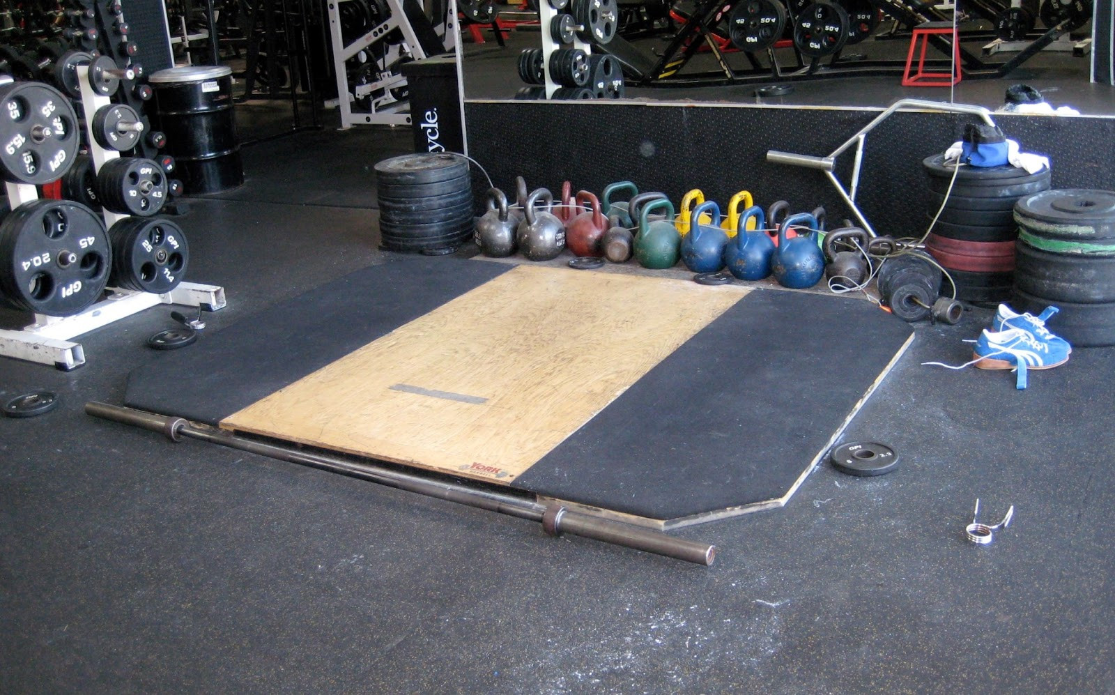 Best ideas about DIY Lifting Platform . Save or Pin The Thoughts of a Big Brown Bear How to Build a Now.