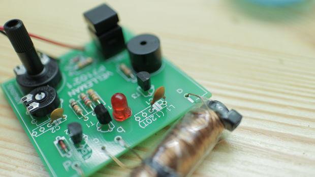 Best ideas about DIY Metal Detector Kit . Save or Pin 19 DIY Metal Detector Plans [Fun ] MyMyDIY Now.