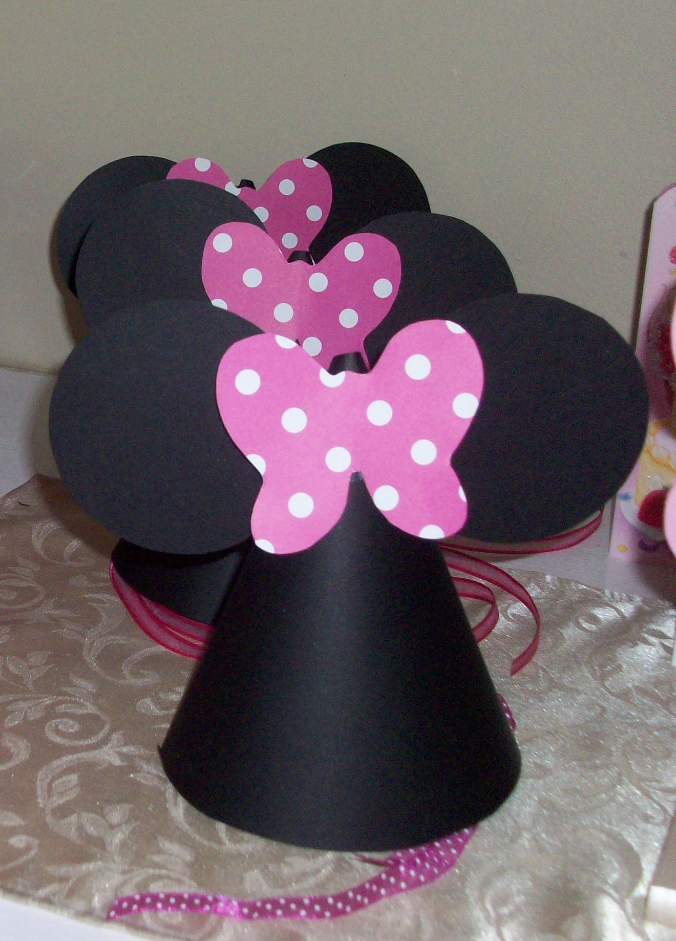 Best ideas about DIY Minnie Mouse Decorations . Save or Pin DIY Tutorial from A Catch My Party Member How to Make Now.
