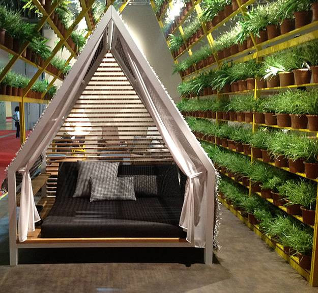 Best ideas about DIY Outdoor Bed . Save or Pin 25 DIY Outdoor Bed Ideas Summer Decorating with Spa Beds Now.