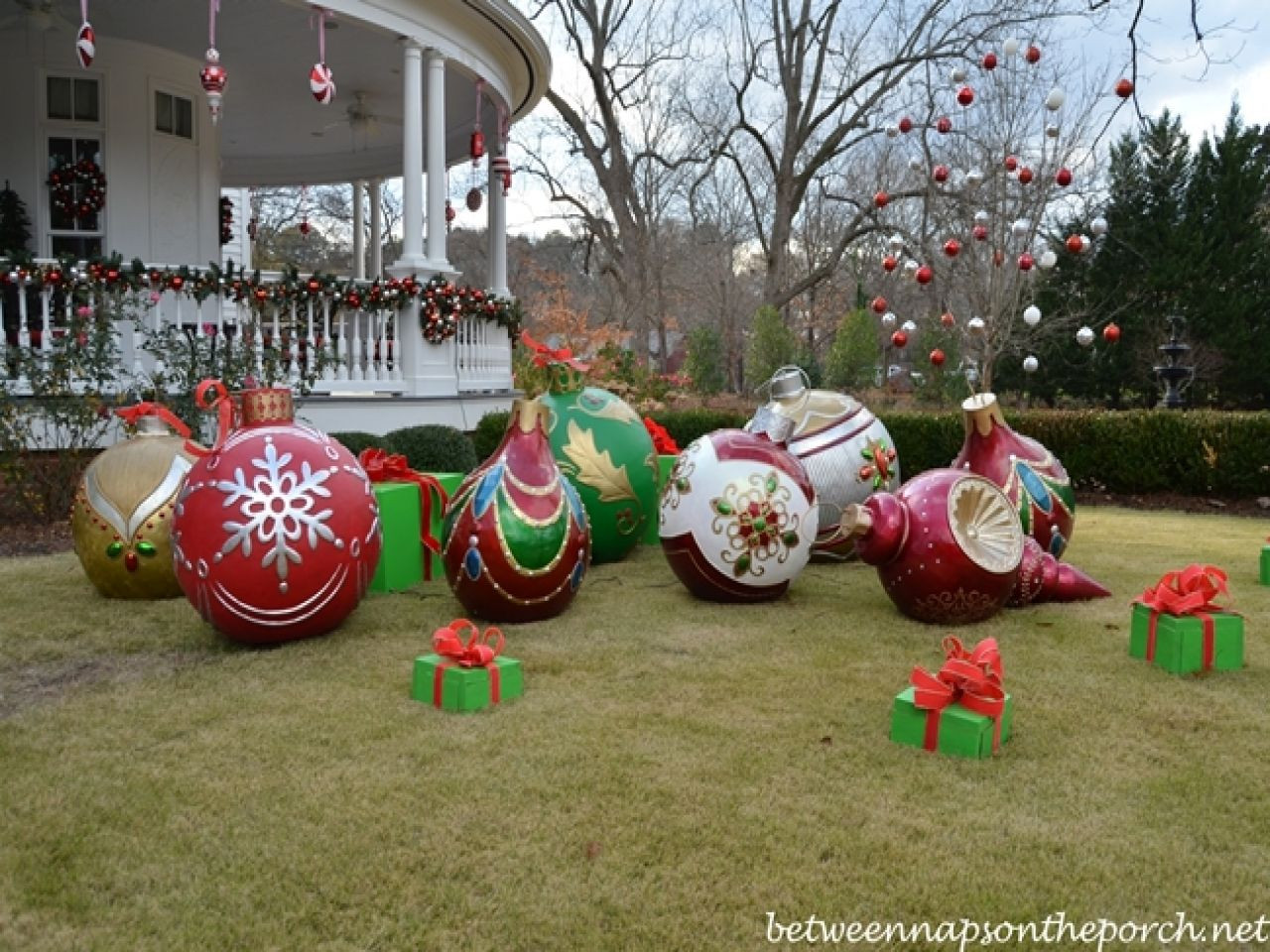 Best ideas about DIY Outdoor Lawn Christmas Decorations . Save or Pin diy outdoor christmas decorations big christmas ornaments Now.