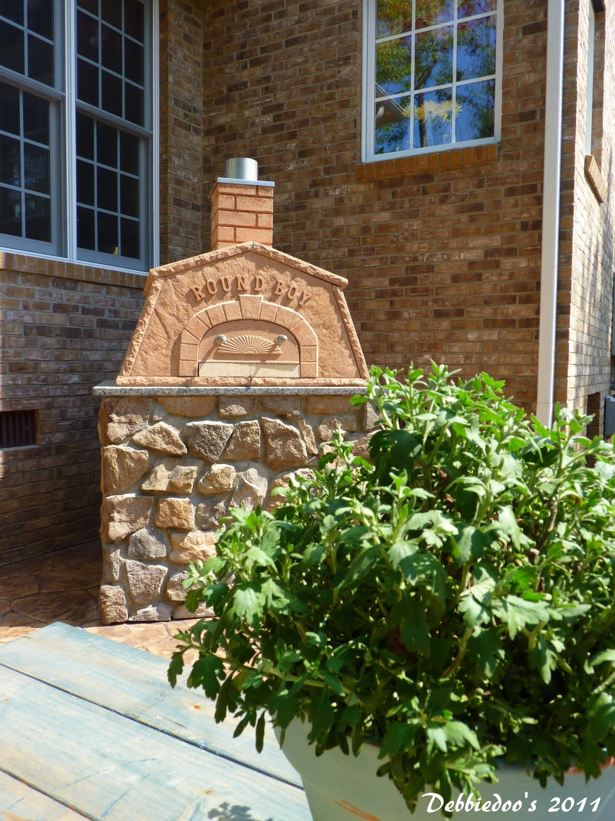 Best ideas about DIY Outdoor Pizza Oven . Save or Pin DIY Outdoor pizza oven Debbiedoo s Now.